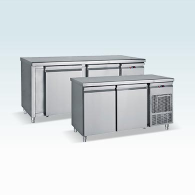 Refrigerated counter with big doors